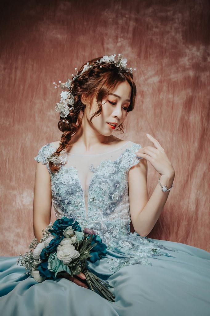 【新秘Catlin】新娘造型創作 / 側放乾燥花造型