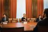 Cayetana Álvarez de Toledo, Guillermo Mariscal y José Ignacio Echániz en la reunión preparatoria previa a la constitución de la Comisión para la Reconstrucción Social y Económica. (07/05/2020)