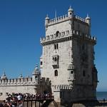 La torre de Belén y los turistas