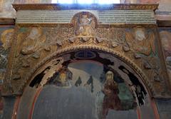 Tomb niche