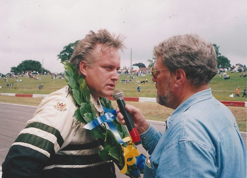 Julian Birley with Andrew Wilkins after 2000 Mallory win