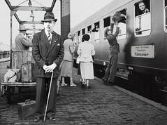 Anglų lietuvių žodynas. Žodis luggage van reiškia bagažo van lietuviškai.