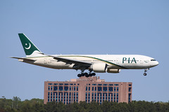 Pakistan International Airlines 777-200LR AP-BGY
