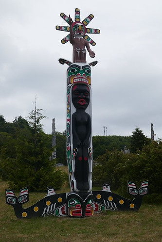 Vancouver Island - Alert Bay - Namgis Burial Grounds