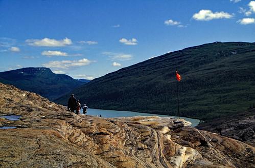 "Norwegen 1998 (586) Weg zum Svartisen • <a style=""font-size:0.8em;"" href=""http://www.flickr.com/photos/69570948@N04/49907228818/"" target=""_blank"">View on Flickr</a>"