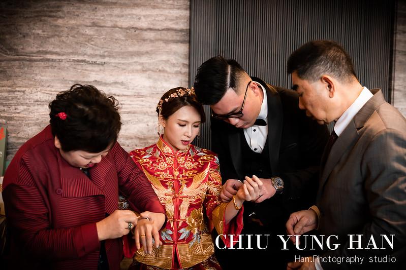 与玥樓婚禮紀錄,与玥樓,婚禮派對,婚攝,禮服,新秘,訂結儀式,手工禮服,婚禮紀錄,台中婚攝,台中婚禮紀錄,禮車