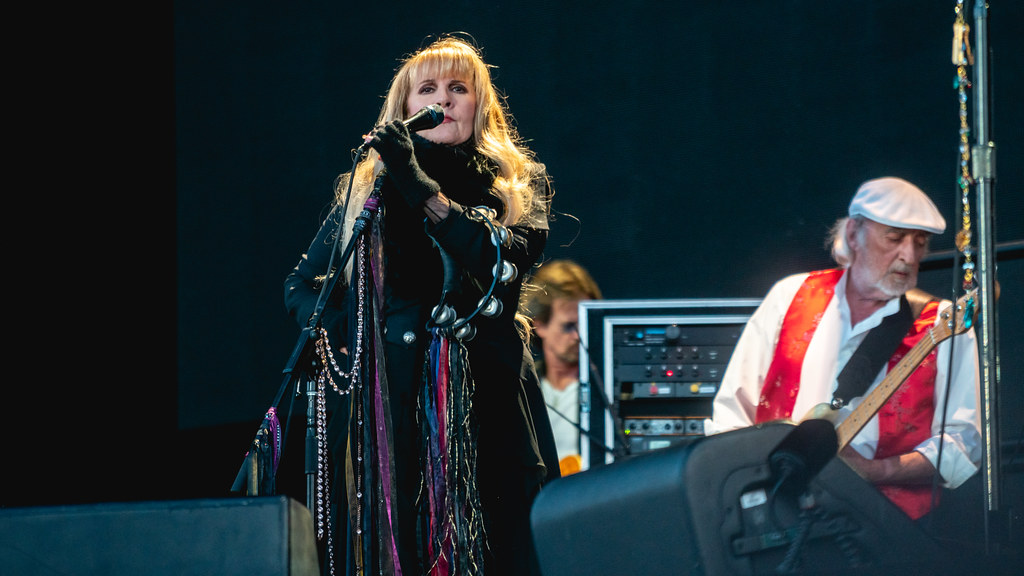 Christine Mcvie biography, MP3, albums, wiki, concerts and