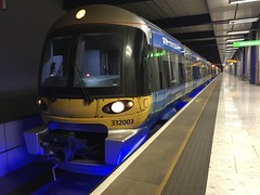 Photo of 332003 at Heathrow T5