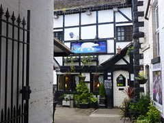 Photo of Whitchurch: pub, courtyard approach