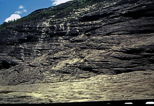 "Norwegen 1998 (588) Weg zum Svartisen • <a style=""font-size:0.8em;"" href=""http://www.flickr.com/photos/69570948@N04/49932458413/"" target=""_blank"">View on Flickr</a>"