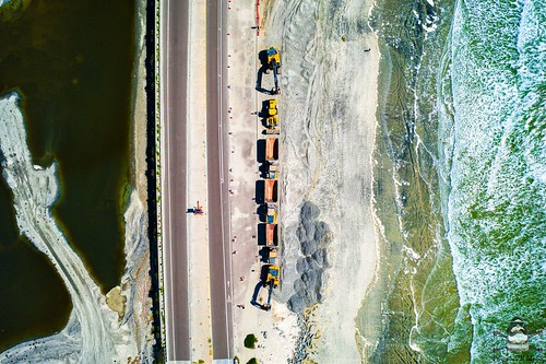 Torrey Pines beach birds eye view heavy equipment