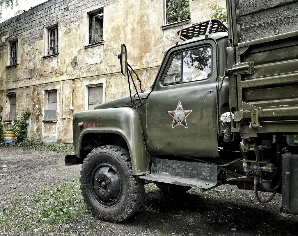 фото: old green truck