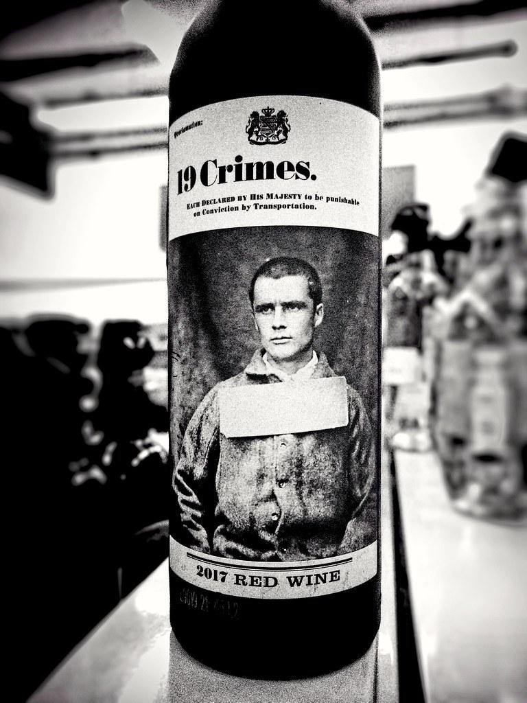 фото: 19 Crimes Red Wine