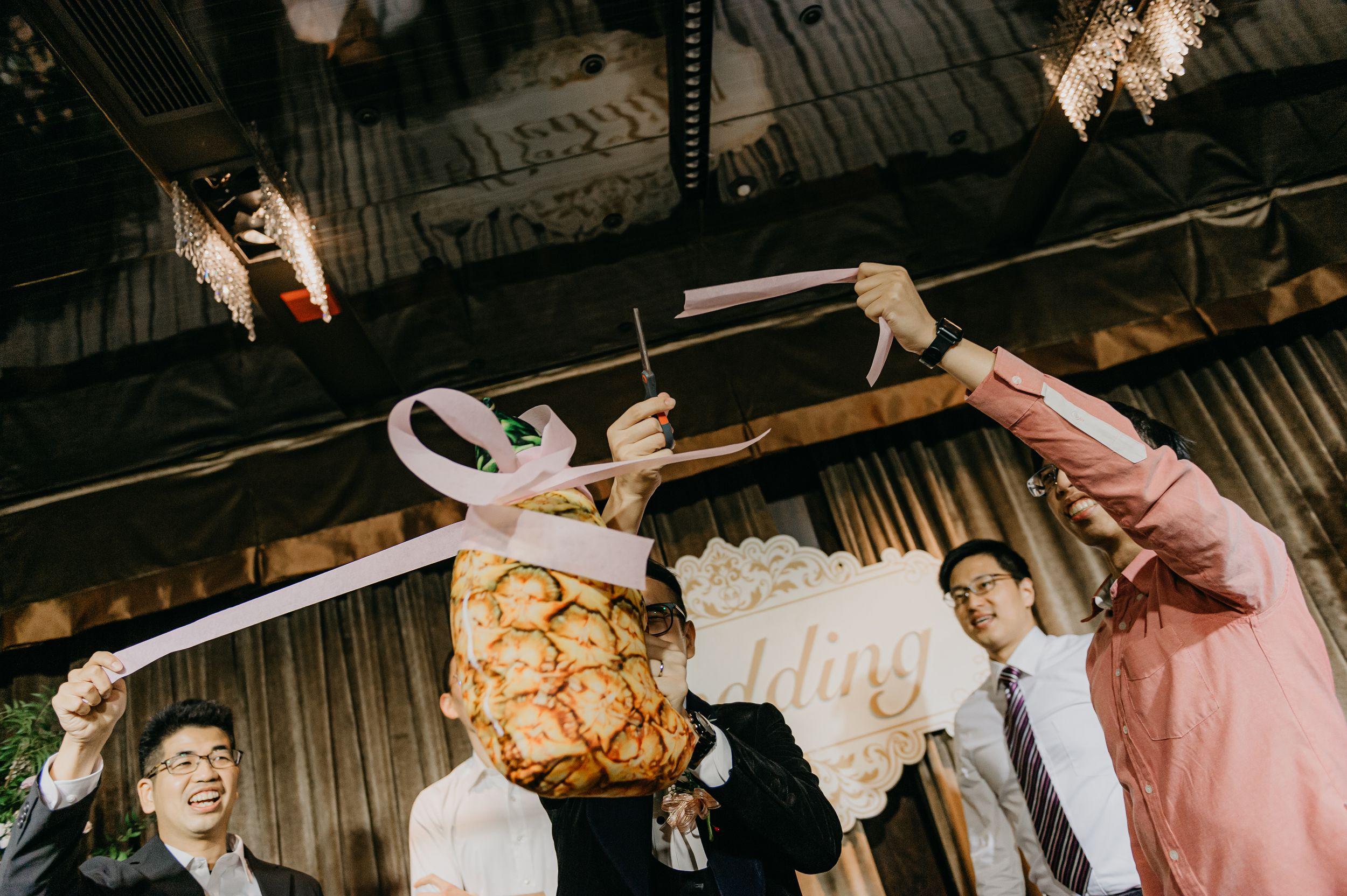 婚禮紀錄,婚攝,福容大飯店,雙機攝影,婚攝推薦,新娘物語推薦,風雲20攝影師,文定儀式,迎娶儀式,囍,闖關,文雅先生,莉維亞歐美頂級手工婚紗,西服,禮服,新秘造型,造型團隊,婚禮主持人,北部婚攝,婚禮攝影師,類婚紗,全家福,拜別父母,抽捧花