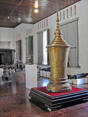 Urne funéraire royale (Musée national du Cambodge, Phnom Penh, Cambodge)