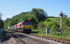 Photo of 66 094 with weed spray train 3Z19 at Goldmire Crossing, Park South Junction.