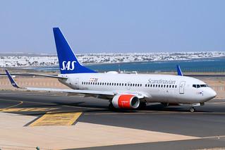 SAS Scandinavian / LN-RRB / B 737-783(W)