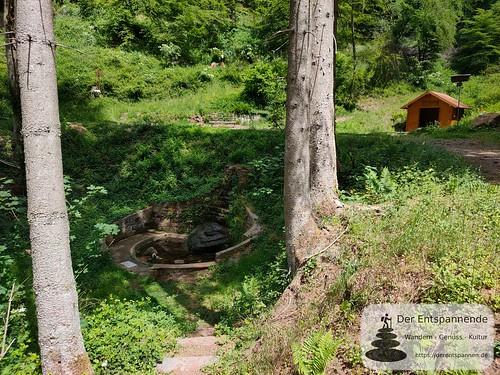 Brunnen an der Teufelshütte - Felsenwanderweg um Rodalben im Pfälzer Wald