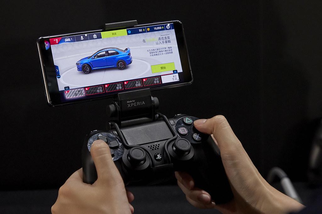 圖說、Xperia 1 II讓手遊體驗更升級!獨家新增《競賽模式》讓玩家能夠更專注於遊戲賽事,不受干擾!