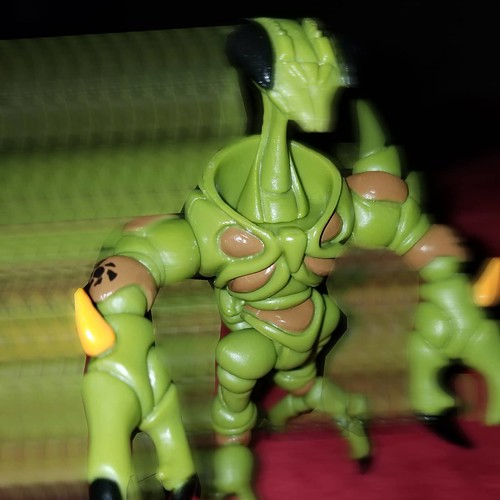 Random scotto factoid- I have started a fire with my own urine and a plastic bag. We did it in boy scouts to create a magnifying lens to focus the sun on dried leaves. Anyhow, on to the newest glyos figure! Nobody likes them, nobody trusts them, yet every