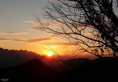 (圖5)拾級而上登頂海拔1212公尺的東眼山,一覽桃園到大台北的景緻