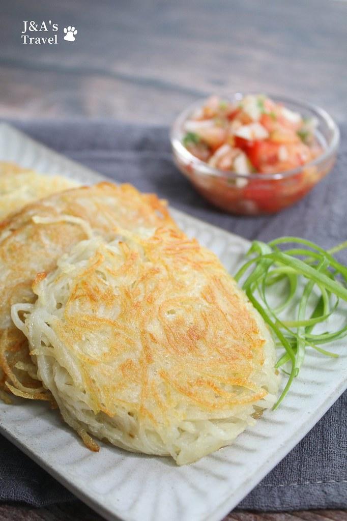 【食譜】馬鈴薯餅(瑞士薯餅Rosti)兩種食材就能做出香酥馬鈴薯餅,馬鈴薯控推薦! @J&A的旅行