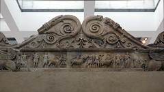Ara Pacis Augustae, animals led to sacrifice (exterior north side of altar)