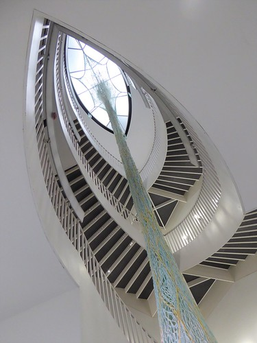 Chicago, Museum of Contemporary Art (MCA), Stairs with Woven Sculpture
