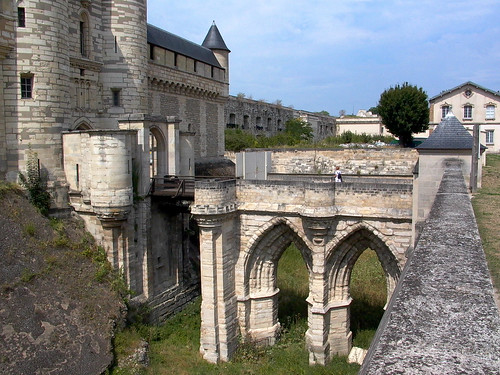 Donjon de Vincennes Moat