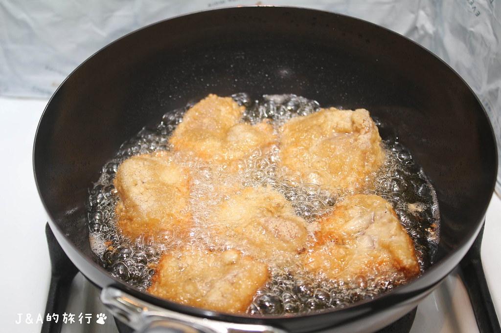 【食譜】台式鹽酥雞 利用少油煎炸一樣好吃,香酥脆又多汁的鹽酥雞在家就能自己做! @J&A的旅行