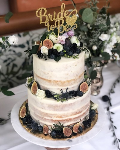 Naked-cakes Chubby Cheek Cakes-3