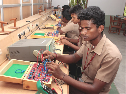 ITI-SRKV, Coimbatore, Electronics Mechanic