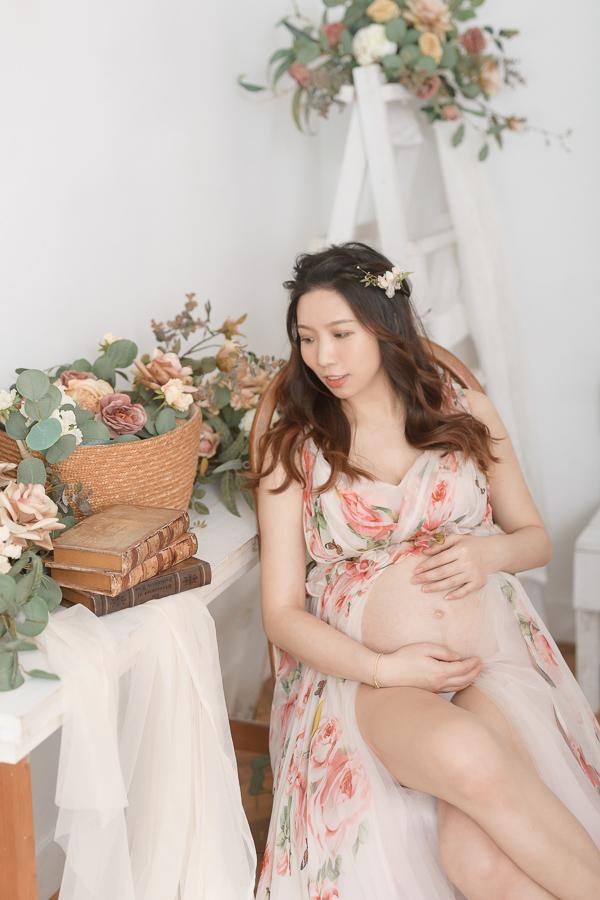 50011962092 7d821a6fa3 o 陪伴孕期的一家人|孕婦寫真