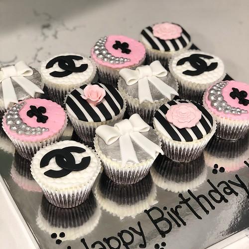 Cupcakes Chubby Cheek Cakes-27