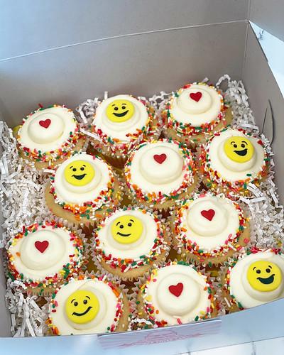 Cupcakes Chubby Cheek Cakes-20
