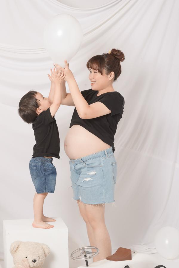50014915451 98323b2f0d o 歡樂又搞笑的一家子|孕婦寫真