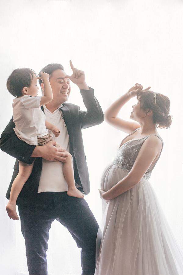 50015176042 ab5932521a o 歡樂又搞笑的一家子|孕婦寫真