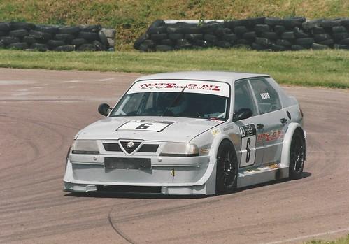Ray Mears 33 Turbo 2003