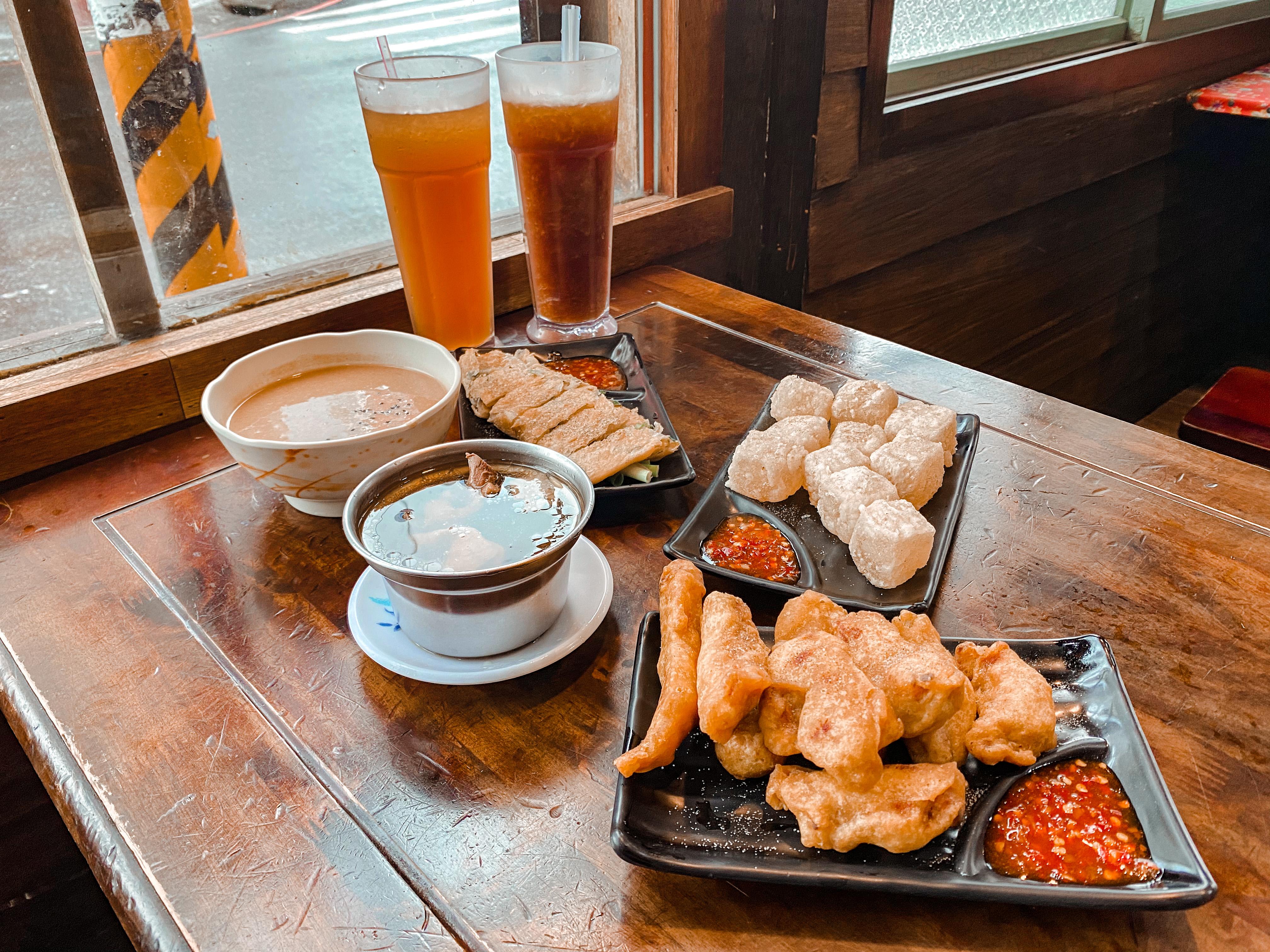 宜蘭烏石港衝浪推薦|極酷衝浪俱樂部宜蘭頭城美食《老街懷舊食堂》