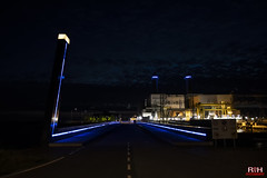 Maxima centrale at night