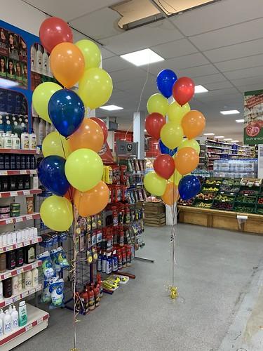 Tafeldecoratie 15ballonnen Gronddecoratie 5 Jarig Jubileum Poolse Supermarkt Wolphaertsbocht