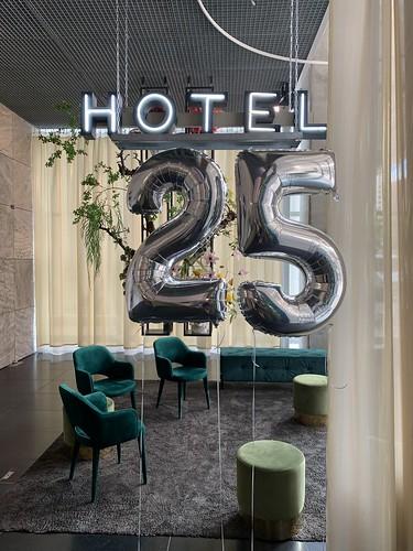 Folieballon Cijfer 25 Nhow Hotel Rotterdam