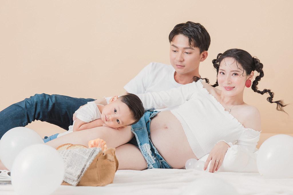 台南孕婦寫真|讓孕媽咪再一次成為可愛的俏皮少女|愛情街角-Love Corner