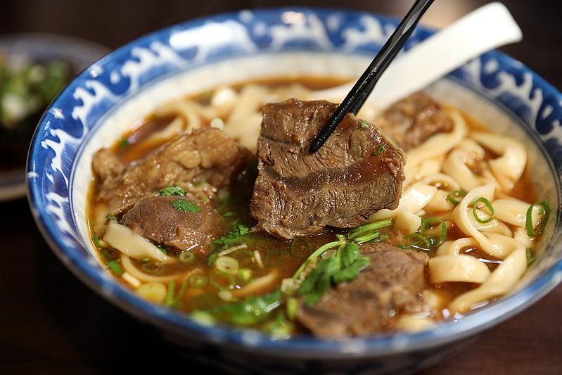 牛肉麵雞湯食尚玩家推薦東區市民大道宵夜美食33