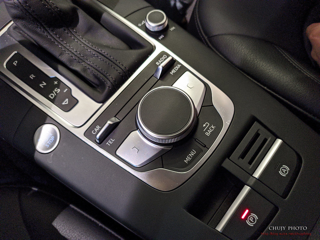 (chujy) Audi Q3 40TFSI quattro, A3 35 TFSI - 33