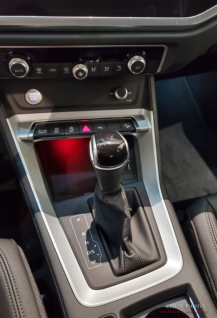 (chujy) Audi Q3 40TFSI quattro, A3 35 TFSI - 9