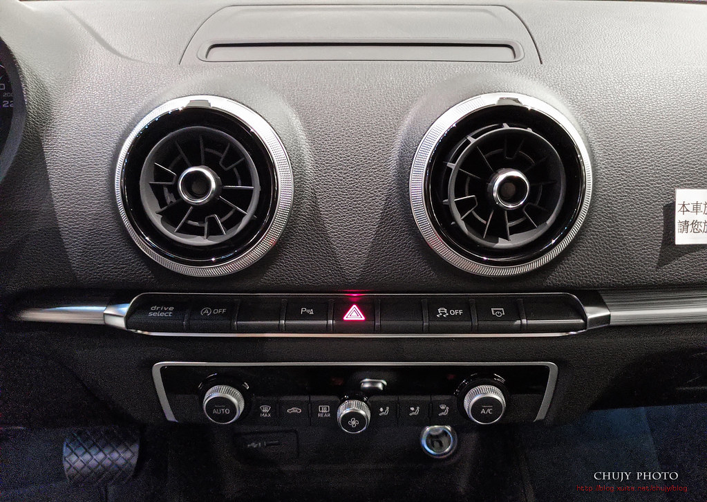 (chujy) Audi Q3 40TFSI quattro, A3 35 TFSI - 28