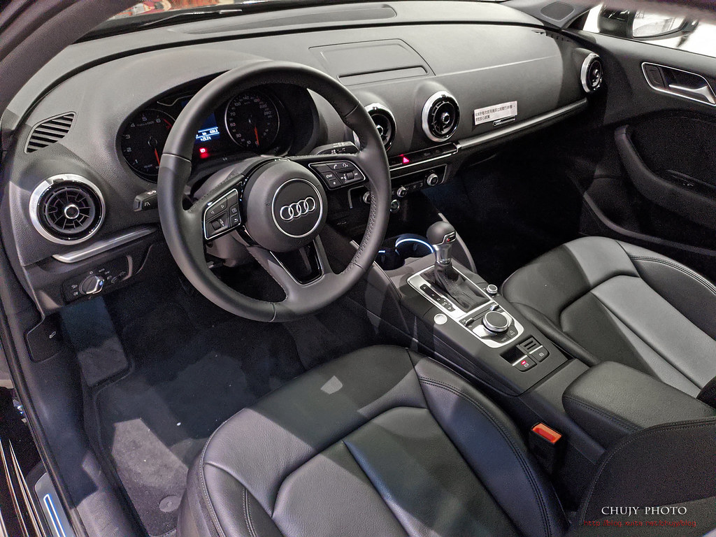 (chujy) Audi Q3 40TFSI quattro, A3 35 TFSI - 23