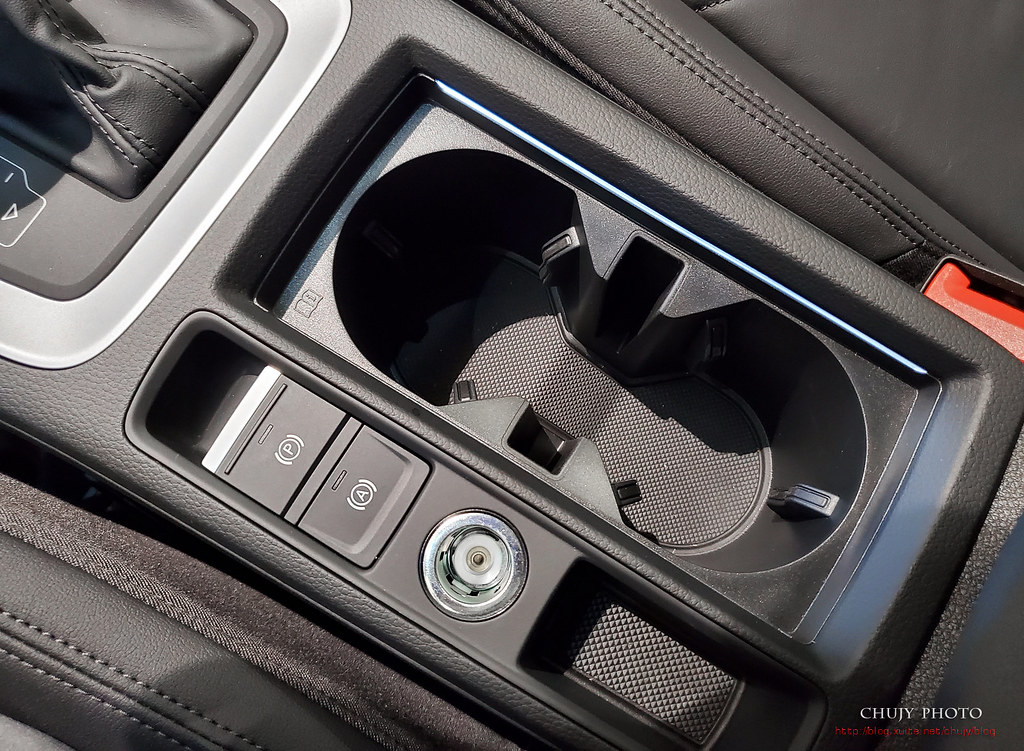 (chujy) Audi Q3 40TFSI quattro, A3 35 TFSI - 10