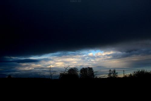 ...if you cut the darkness ©  Егор Журавлёв
